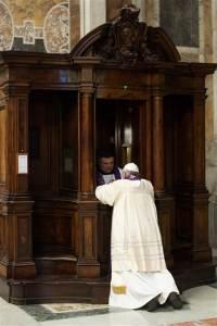 140328_pope-confession2_09cee3b89c294085e46e854647cc52b6_nbcnews-ux-480-800