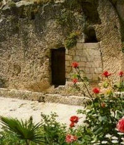 1 holy_saturday_tomb2