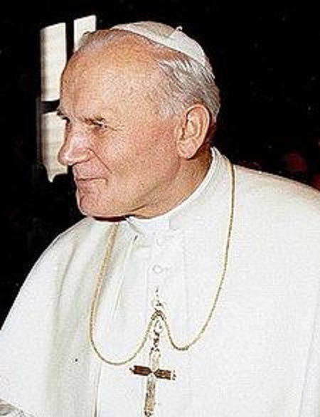 1 225px-John_Paul_II_1980_cropped