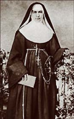 """Mother Marianne Cope is pictured in an undated file photo. Pope John Paul II moved the Franciscan nun's cause for sainthood forward April 19 in a decree attesting to her """"heroic virtues."""" Mother Cope was the first U.S. missionary to work among patients with Hansen's disease in the Hawaiian Islands. She also took over the ministry of Blessed Damien de Veuster on the island of Molokai after he died of the disease in 1889. (CNS photo courtesy Hawaii Catholic Herald) (April 19, 2004) See COPE-SAINTHOOD April 19, 2004. (b/w only)"""